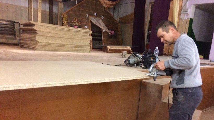 ТОС «Окологород» получил финансовую поддержку на ремонт зрительного зала в сельском клубе