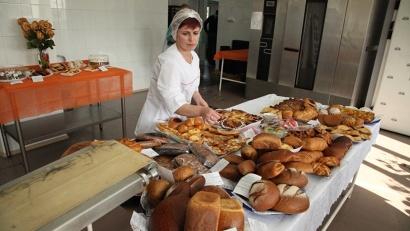 С открытием новой пекарни увеличится ассортимент: помимо обычного хлеба, теперь здесь могут печь лаваши, слойки, кондитерские изделия