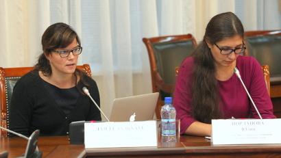 Заместитель руководителя Норвежского Баренцева секретариата госпожа Лайла Дальхауг (слева) отметила важность сотрудничества с Архангельской областью