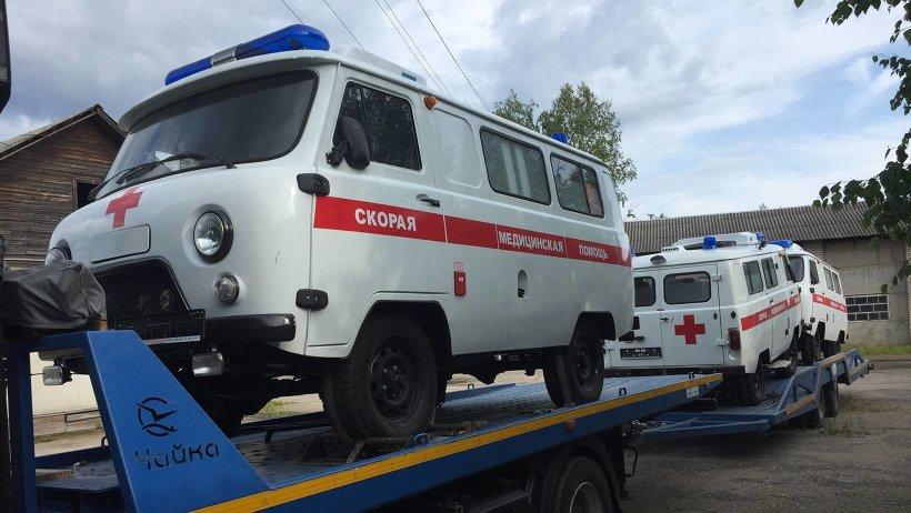 Автомобили скорой помощи прибыли в Вельск из Ульяновска
