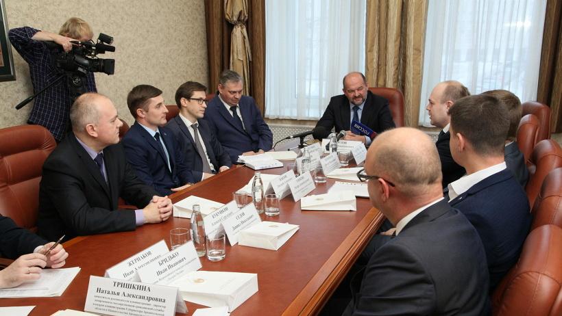 Игорь Орлов и полуфиналисты конкурса обсудили идею создания «Клуба молодых лидеров Поморья»
