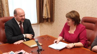 На встрече с главой района Игорь Орлов сделал акцент на привлечении частного бизнеса в социальную сферу