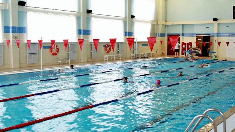 В первый день работы бассейнов «Норд Арену» посетили более 200 юных и взрослых северян