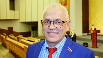 Заместитель председателя комитета АОСД по аграрной политике, рыболовству и торговле Владимир Петров