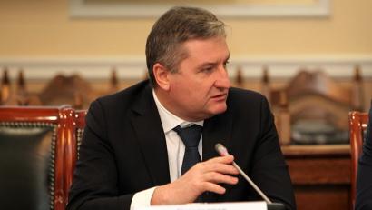Константин Северьянов: «Мы готовы расширить перечень централизованных закупок в части расселения аварийных домов, развития образования и науки»
