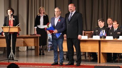 Государственные награды вручил временно исполняющий обязанности губернатора Игорь Орлов