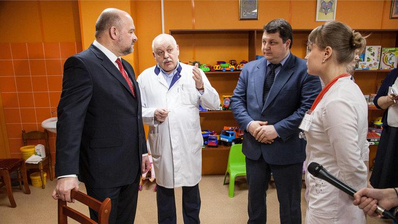Игорь Орлов, Антон Карпунов и Олег Низовцев обсудили перспективы оказания паллиативной помощи в регионе