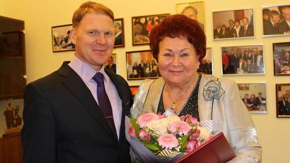 Галину Добрунову с юбилеем поздравил министр образования и науки Поморья Сергей Котлов