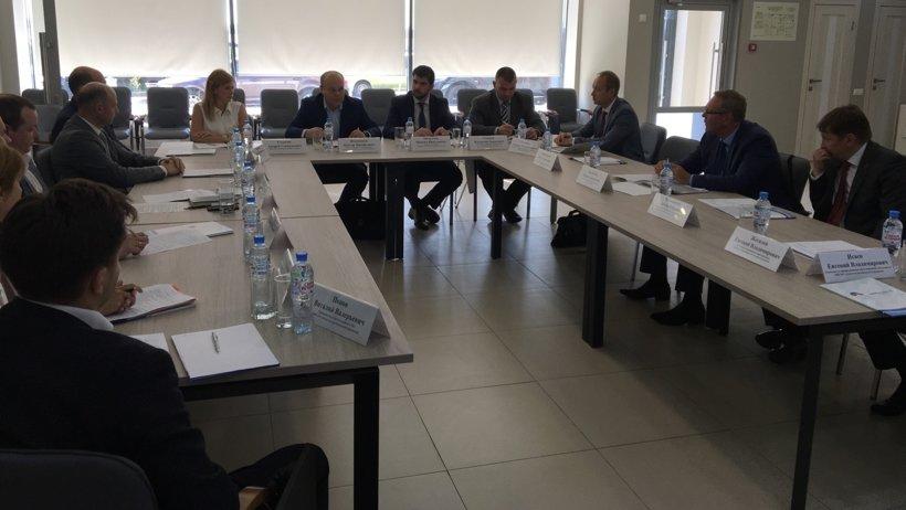 В совещании приняли участие представители правительства Архангельской области и банковского сообщества региона