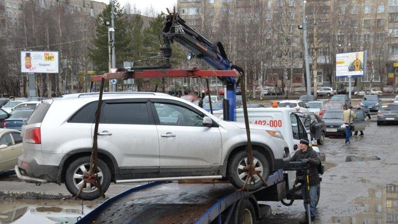 Итог рейда ГИБДД и минтранса у железнодорожного вокзала Архангельска: изъятие автомобиля у таксиста-нелегала