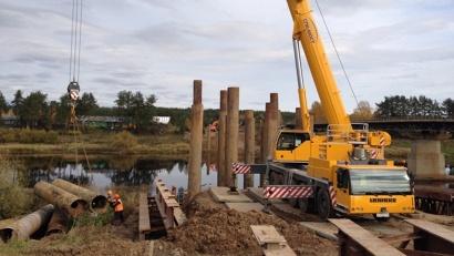 Мостостроители приступили к возведению моста через реку Устью. Фото агентства «Архангельскавтодор»