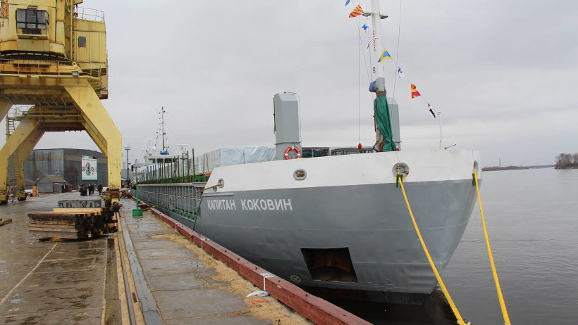 Теплоходы ледового класса дедвейтом 3480 тонн каждый, обладают экономичными двигателями и отвечают  всем  требованиям экологической безопасности