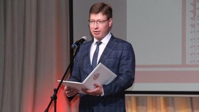 Министр строительства и архитектуры Михаил Яковлев поздравил коллег с профессиональным праздником