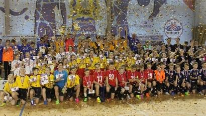 За право поехать на всероссийский финал боролись 17 лучших команд СЗФО у мальчиков и 12 у девочек