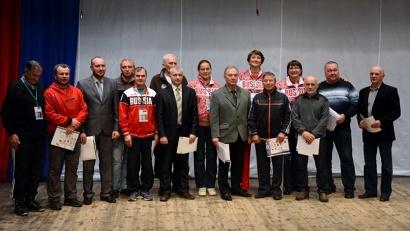 Олимпийская делегация на сцене школы искусств «Гамма» в Котласе