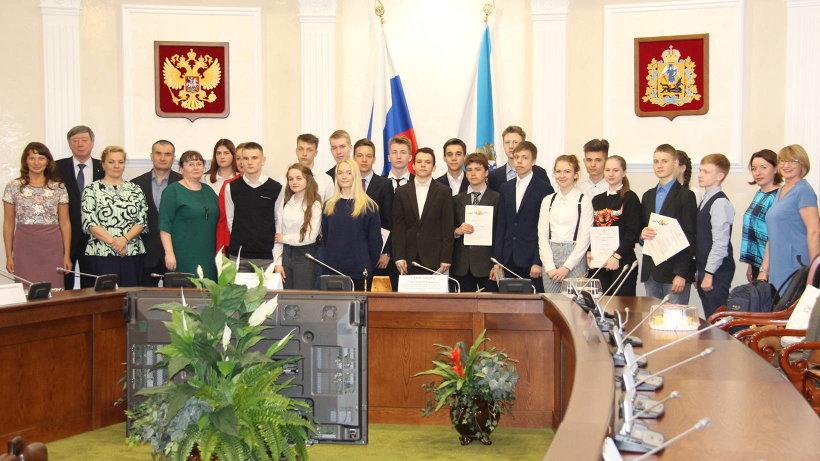 Участники строительного конкурса «Мастерок»