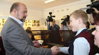 Игорь Орлов поставил отличную оценку мастерству холмогорских школьников