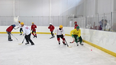 X юбилейный турнир по мини-хоккею с мячом среди болельщиков «Водника» посвящён 73-й годовщине Победы и 120-летию хоккея с мячом