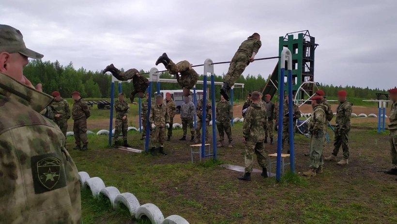 В Архангельске начались испытания на право ношения крапового берета