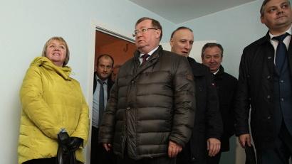 Сергей Степашин осмотрел квартиры, которые предоставляются по программе расселения «аварийки»
