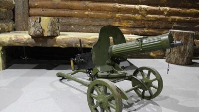 В блиндаже представлены образцы вооружения и военной формы времен Великой Отечественной войны