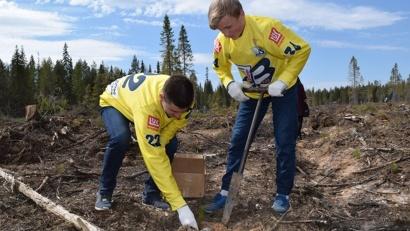 В акции приняли участие игроки молодёжной сборной команды «Водник»