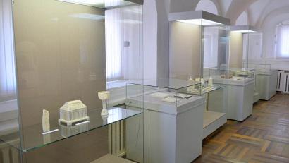 В Рязани представлены работы известных мастеров резьбы по кости