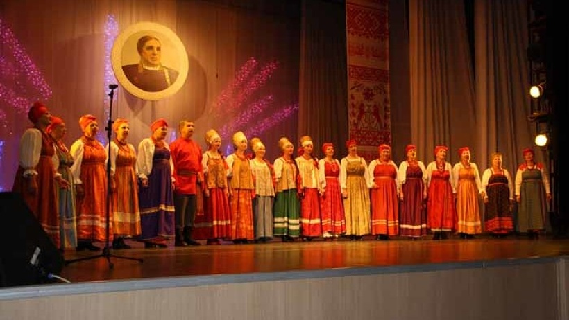 За звание победителя вступили в творческое состязание 20 фольклорных коллективов из Архангельской и Вологодской областей