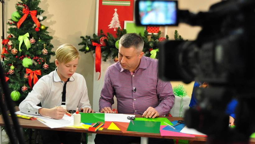 Телестудия на время превратилась в творческую мастерскую, куда был приглашён министр образования и науки Архангельской области Игорь Скубенко