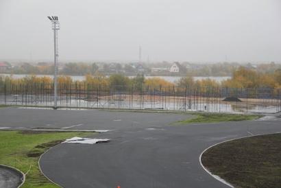 Универсальная площадка для волейбола и баскетбола практически готова