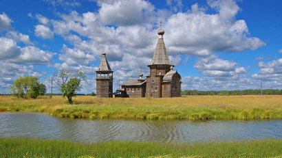 Церковь Иоанна Златоуста с колокольней в Саунино, Каргопольский район. Фото Алексея Анисимова