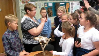 Тамара Баталова познакомила ребят с экспонатами музея леса