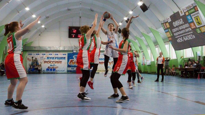 Архангельская команда «Факел» из школы №14 начала зональный турнир с победы