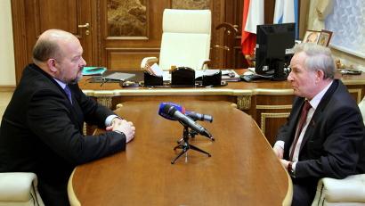 Обсуждая вопрос подготовки к избирательной кампании, Игорь Орлов подчеркнул важность честной борьбы за голоса избирателей