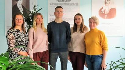 Молодой коллектив Холмогорской ЦРБ приглашает будущих фельдшеров вернуться в родной район