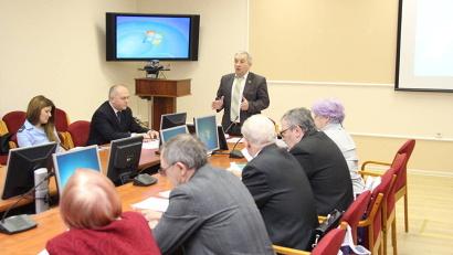 Виктор Зверев: «За 2014 год в региональный центр в Архангельске поступило более 400 обращений граждан»