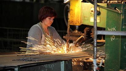 Сегодня на предприятии-юбиляре трудится 311 человек, средняя заработная плата рабочих составляет 30 тысяч рублей