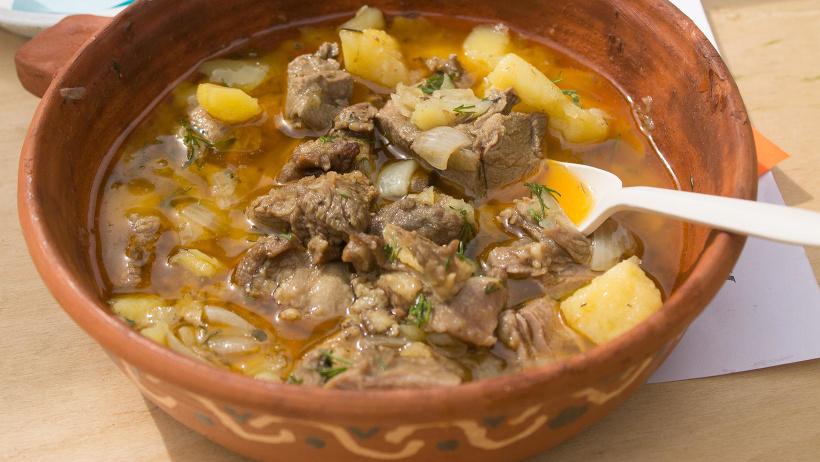 Всенародная трапеза и блюда из баранины - особенности старинного каргопольского праздника
