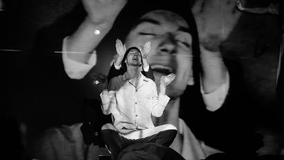 Спектакль «Папа встретит меня в LA» четырежды номинирован на «Золотую маску». Фото предоставлено министерством культуры Архангельской области