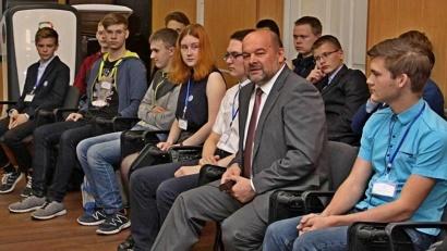 Игорь Орлов на встрече с талантливыми школьниками: «Уверен, что в нашем регионе есть много сфер для применения ваших способностей»