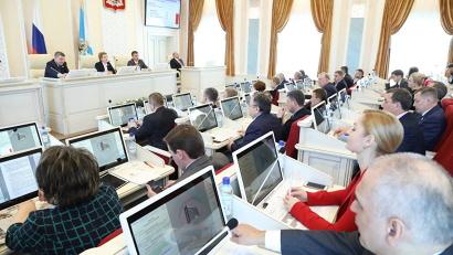 Депутатами областного Собрания поддержаны предложения регионального правительства по внесению изменений и дополнений в бюджет текущего года
