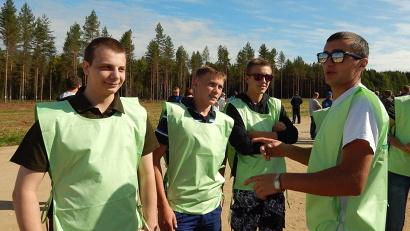 Большая часть волонтёров – школьники и студенты из посёлка Октябрьский и села Шангалы