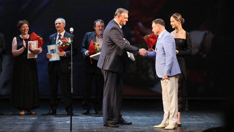 Алексей Алсуфьев вручил награды и благодарности лучшим работникам предприятия