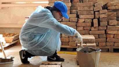 Анастасия Левгод – единственная девушка, решившая попробовать себя на строительном поприще.