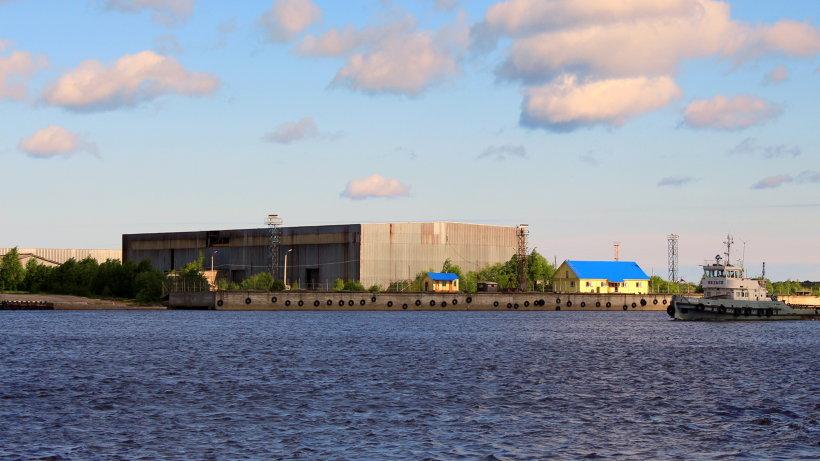 Лесозавод - основное производство острова Бревенник