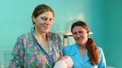 К поздравлениям многодетной маме присоединились все сотрудники родильного отделения Красноборской ЦРБ