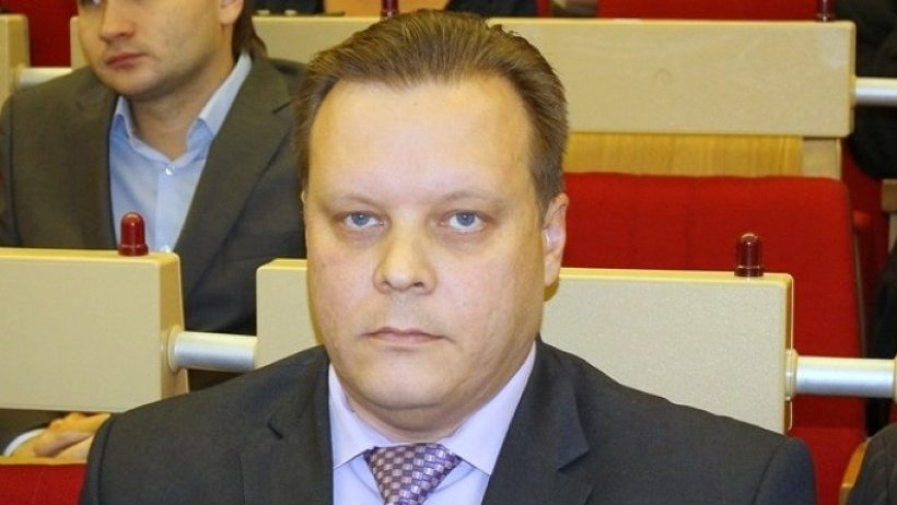 До избрания на должность руководителя района Павел Смагин руководил депутатским корпусом, а ранее работал в районной администрации