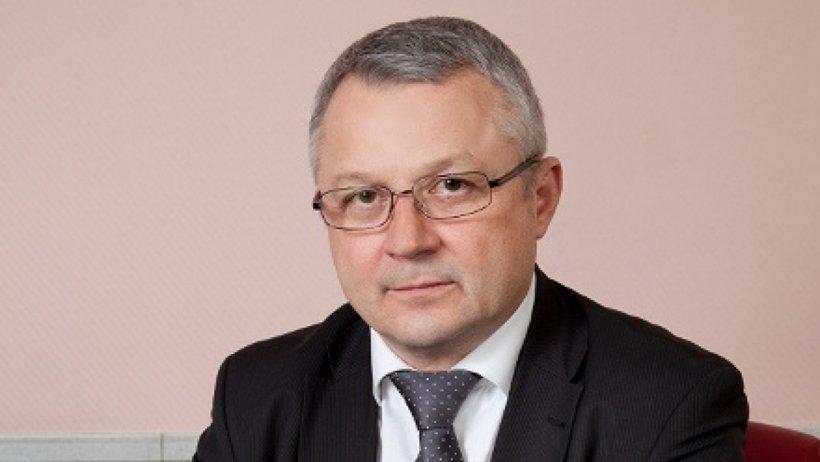 К обязанностям министра Николай Родичев должен приступить 1 февраля 2016 года