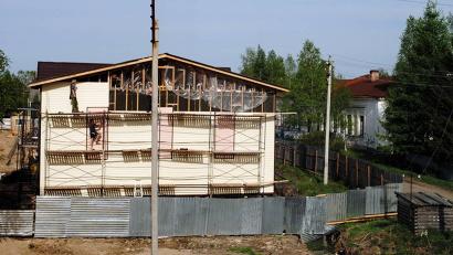 На лице Третьякова вовсю идут работы. Фото газеты «Холмогорская жизнь»