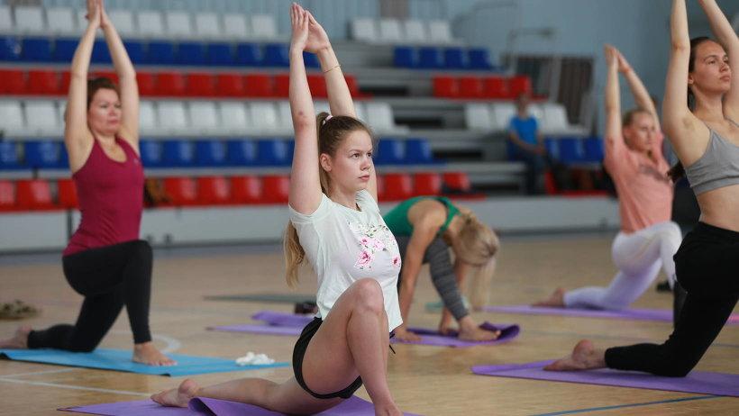 Международный день йоги впервые отметили в столице Поморья